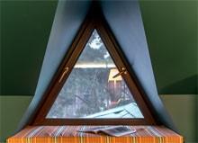 Треугольные деревянные окна okna-fresh.ru